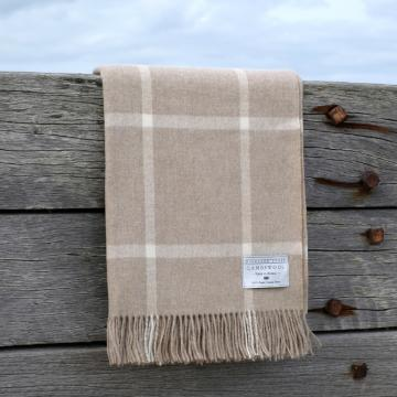 Beige and ecru windowpane blanket in fine lambswool