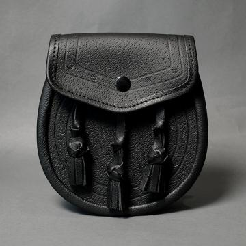 BLACK LEATHER DAY SPORRAN WITH ETCHING