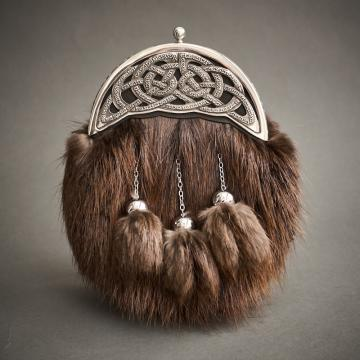 Full dress sporran with brown beaver fur and antique celtic knot cantle