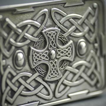 Pewter kilt buckle with Northumberland cross
