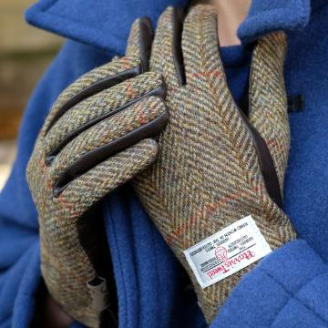 GREEN HARRIS TWEED AND LEATHER LADIES GLOVES