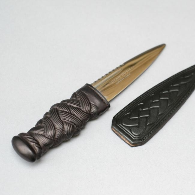 Sgian Dubh with Black Resin Knotted Handle