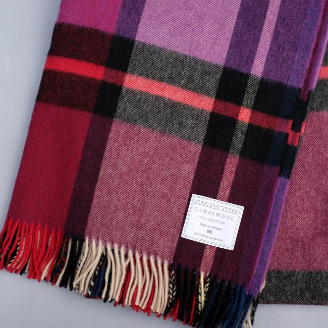Fashionable oversized check blanket in warm and soft pure merino wool.  Approx size 185 x 140cm. Made in the U.K.