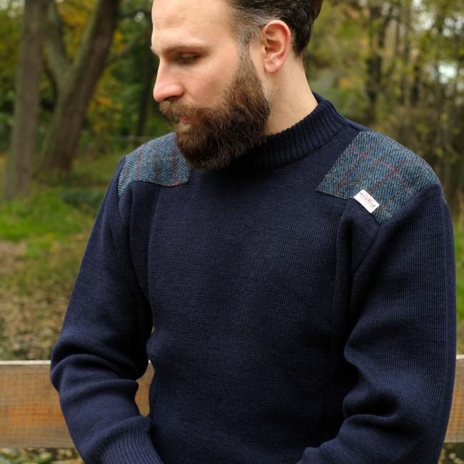CREW NECK MILITARY STYLE JERSEY WITH HARRIS TWEED SHOULDER PATCHES IN NAVY