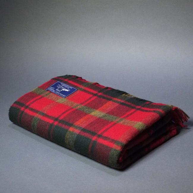 Highland Store Extra Fine Lambswool Maple Leaf Blanket