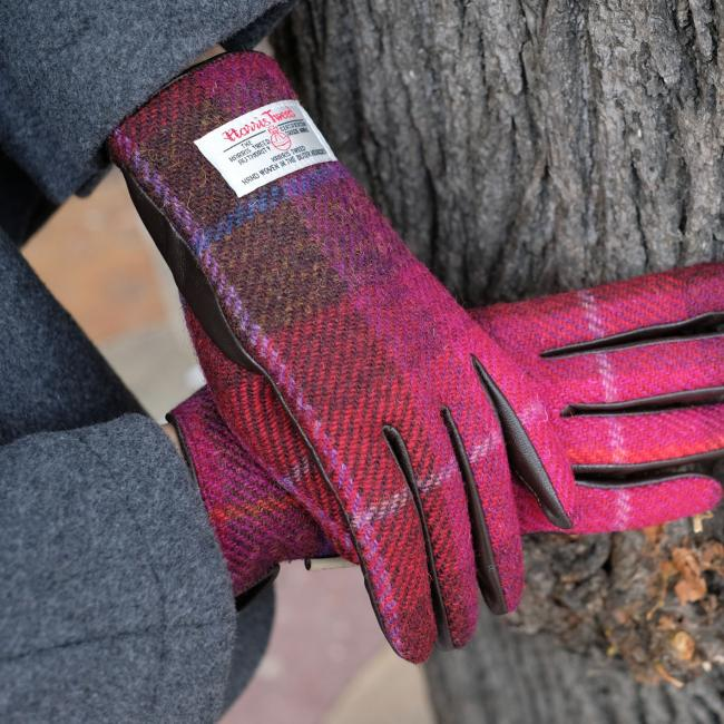FUCHSIA HARRIS TWEED AND LEATHER LADIES GLOVES